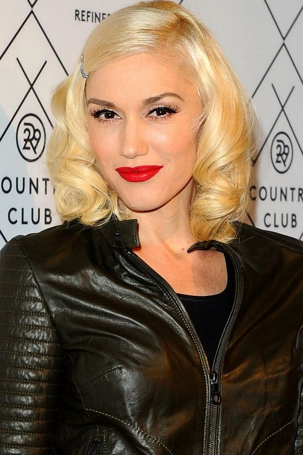 30 Chic Celebrity-Inspired Lobs | Gwen Stefani Lob Haircut | Hairstyle on Point