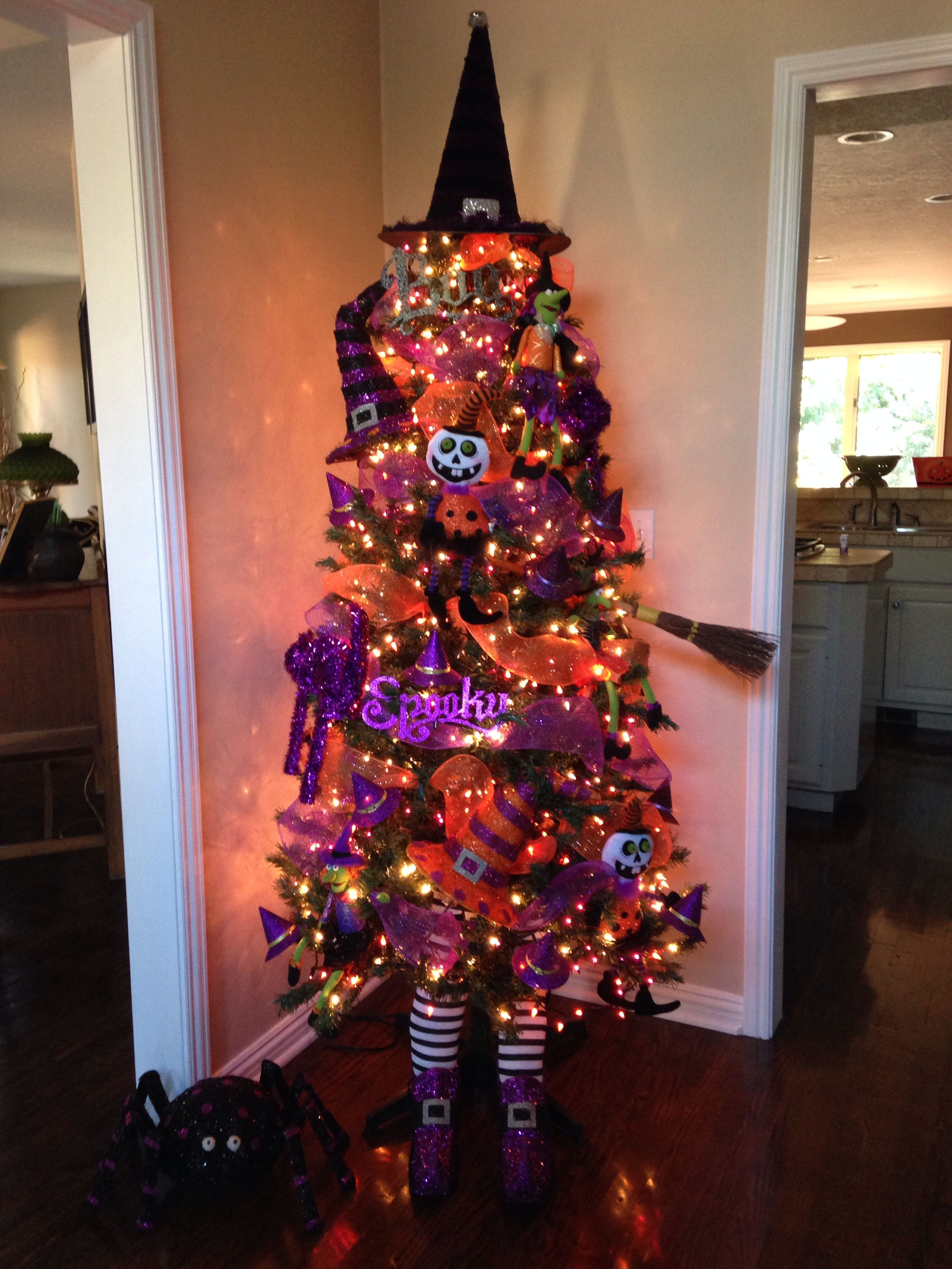 My Halloween tree! Trick or treaters love it!\u0027 Halloween Ideas - halloween tree decoration