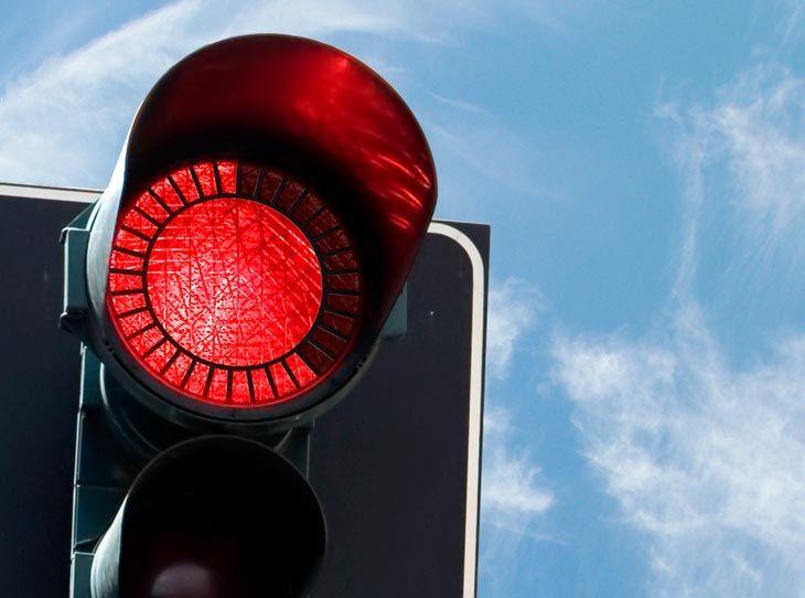 Eko Ecological Economical Traffic Light Concept Relogik Com Traffic Light Stop Light Lights