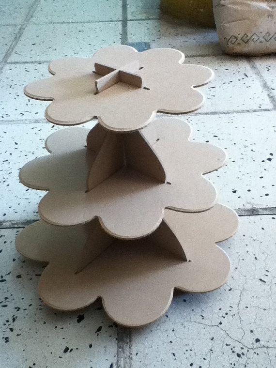 Pr sentoir g teau fait de bois mdf parfait pour les f tes ou maison facile de manipulation - Gabarit maison en carton ...
