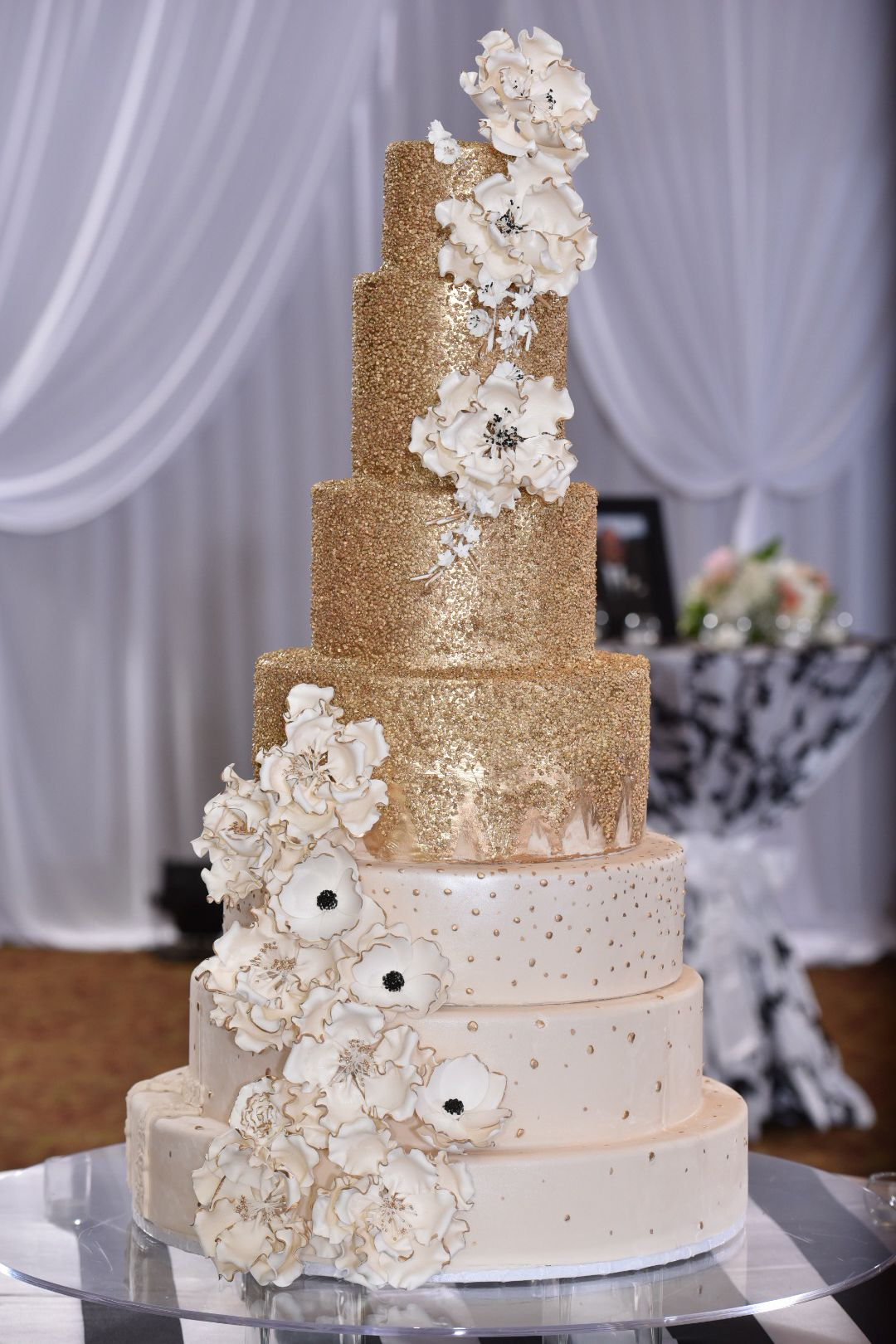 tall white wedding cake stand white and gold wedding cake with cascading flowers 20747