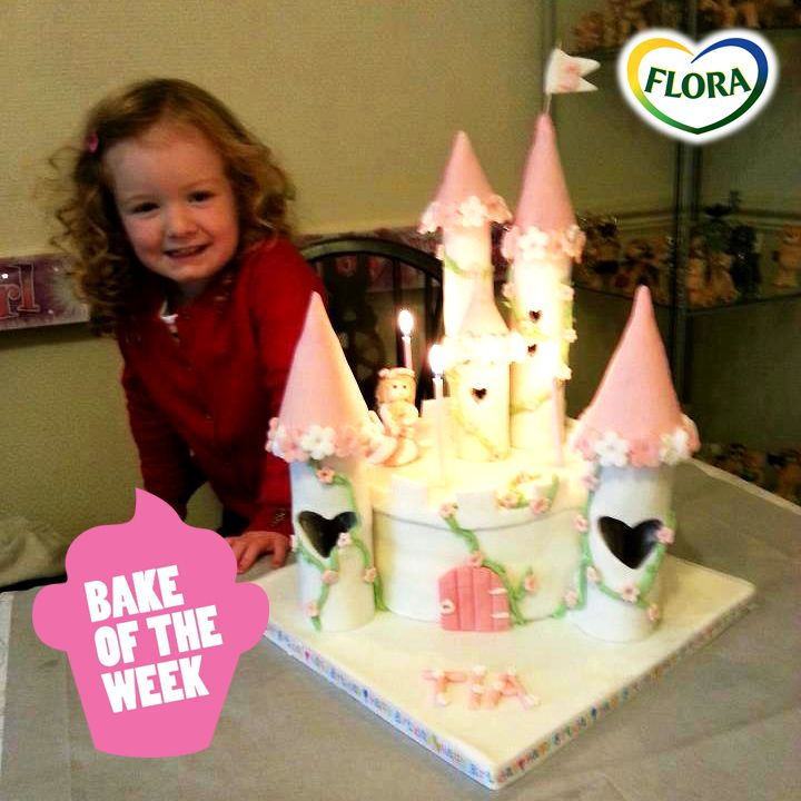 Isn't this cake fabulous? Thanks for sending in the pic, Lauren Hand! (send in your pics to www.facebook.com/florahearts  if you're a top cake baker!)