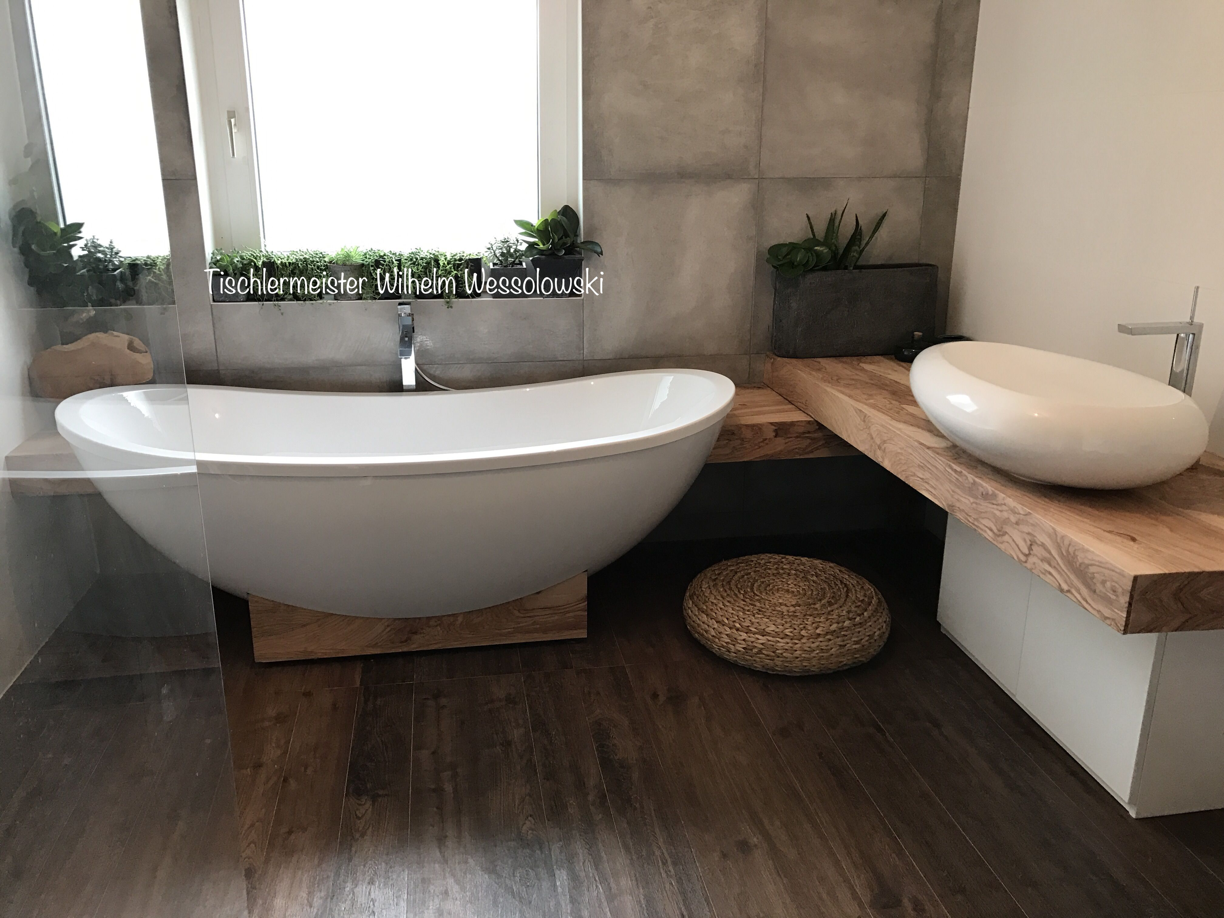 Badezimmer Badewanne ~ Bad badezimmer badewanne holz olivenholz individuell liebe
