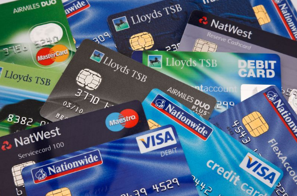 A Bank Credit Card The Pros And Cons Of A Bank Credit Card Vs