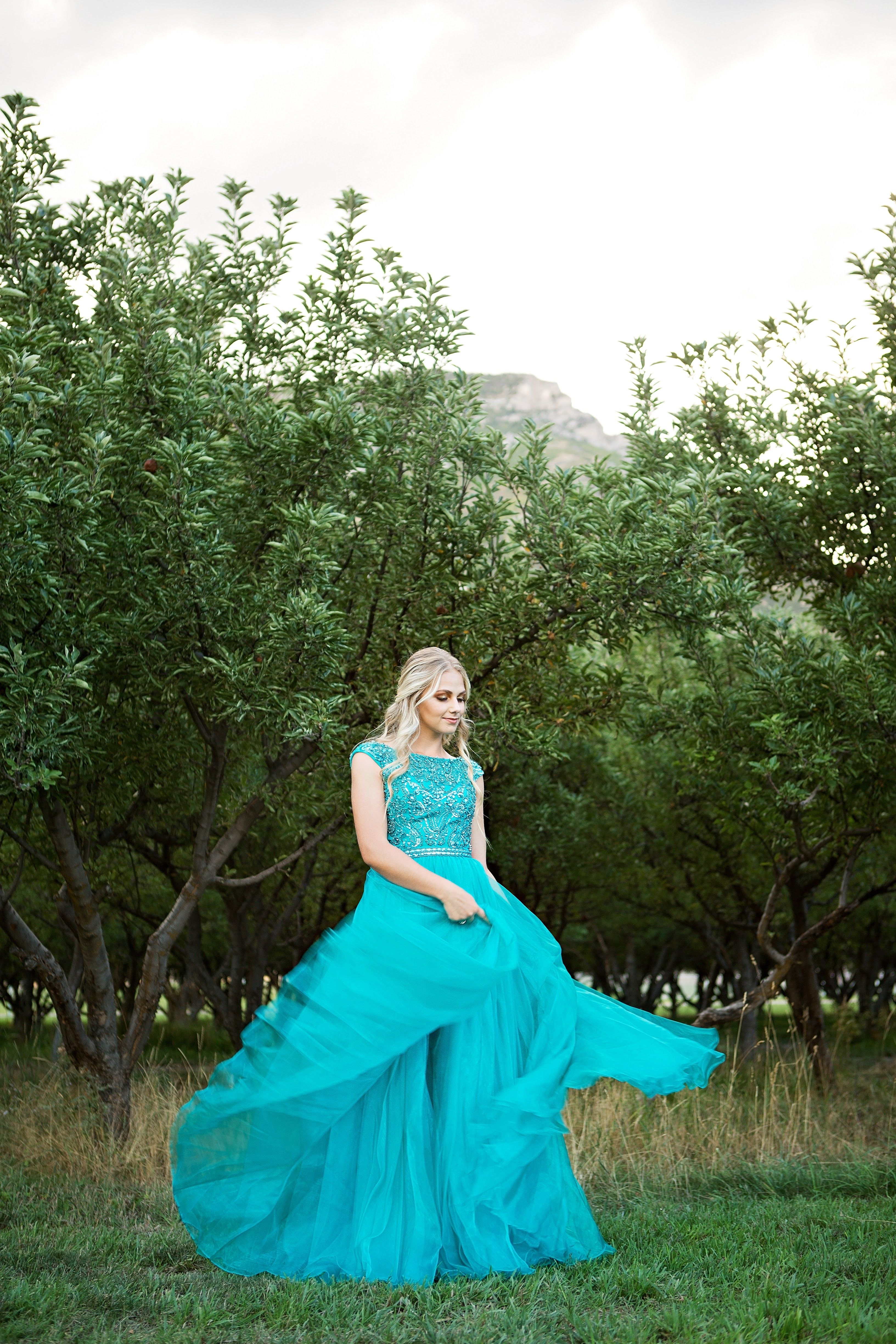 Green dress prom  Sherri Hill Teal Turquoise Flowy with Beaded Bodice and Sleeves
