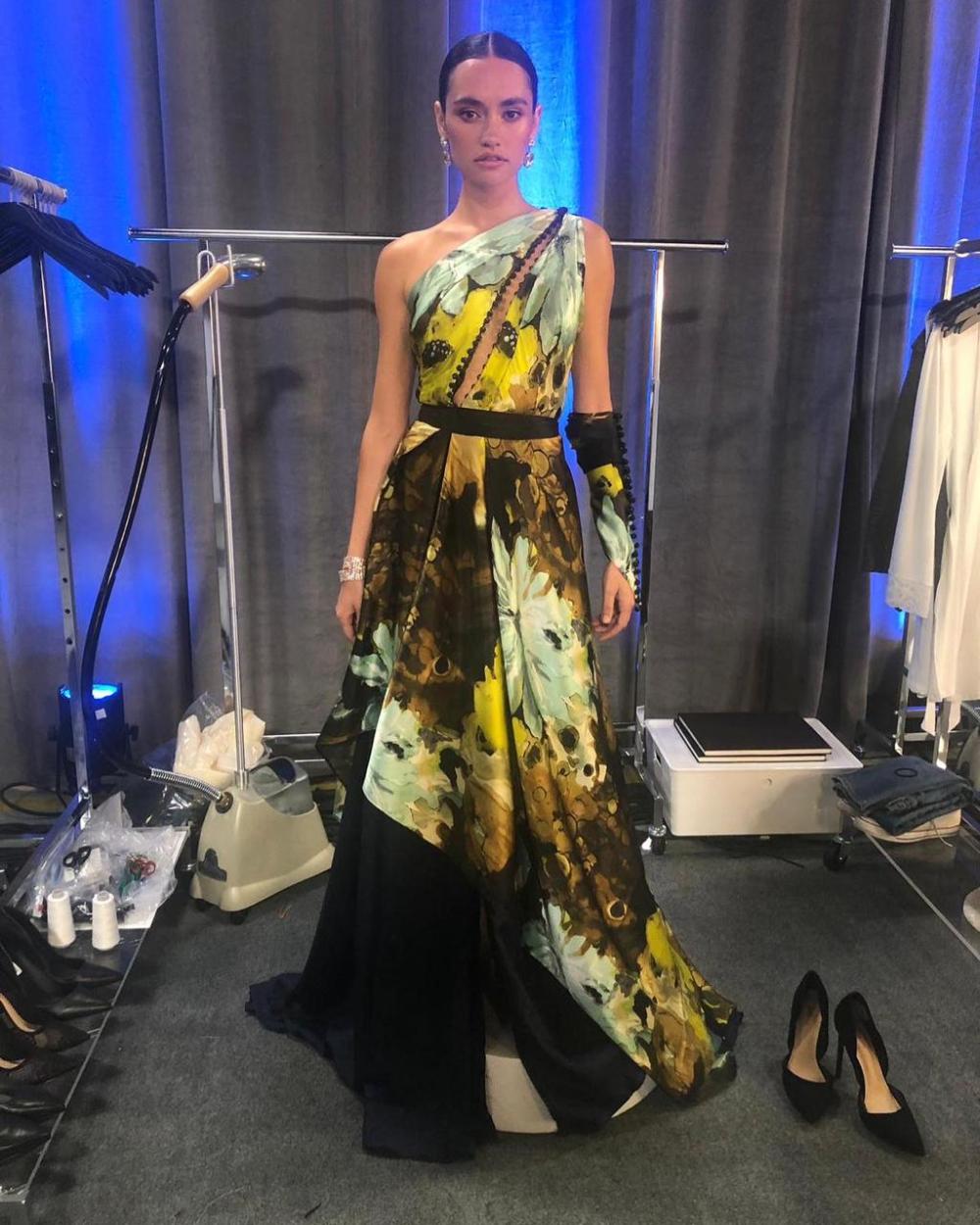 Designer Narresh Kukreja On His Time On The Next In Fashion Series Netflixseries Nextinfashion Shivan Narresh Exclusivei In 2020 Fashion Harajuku Fashion Outfits