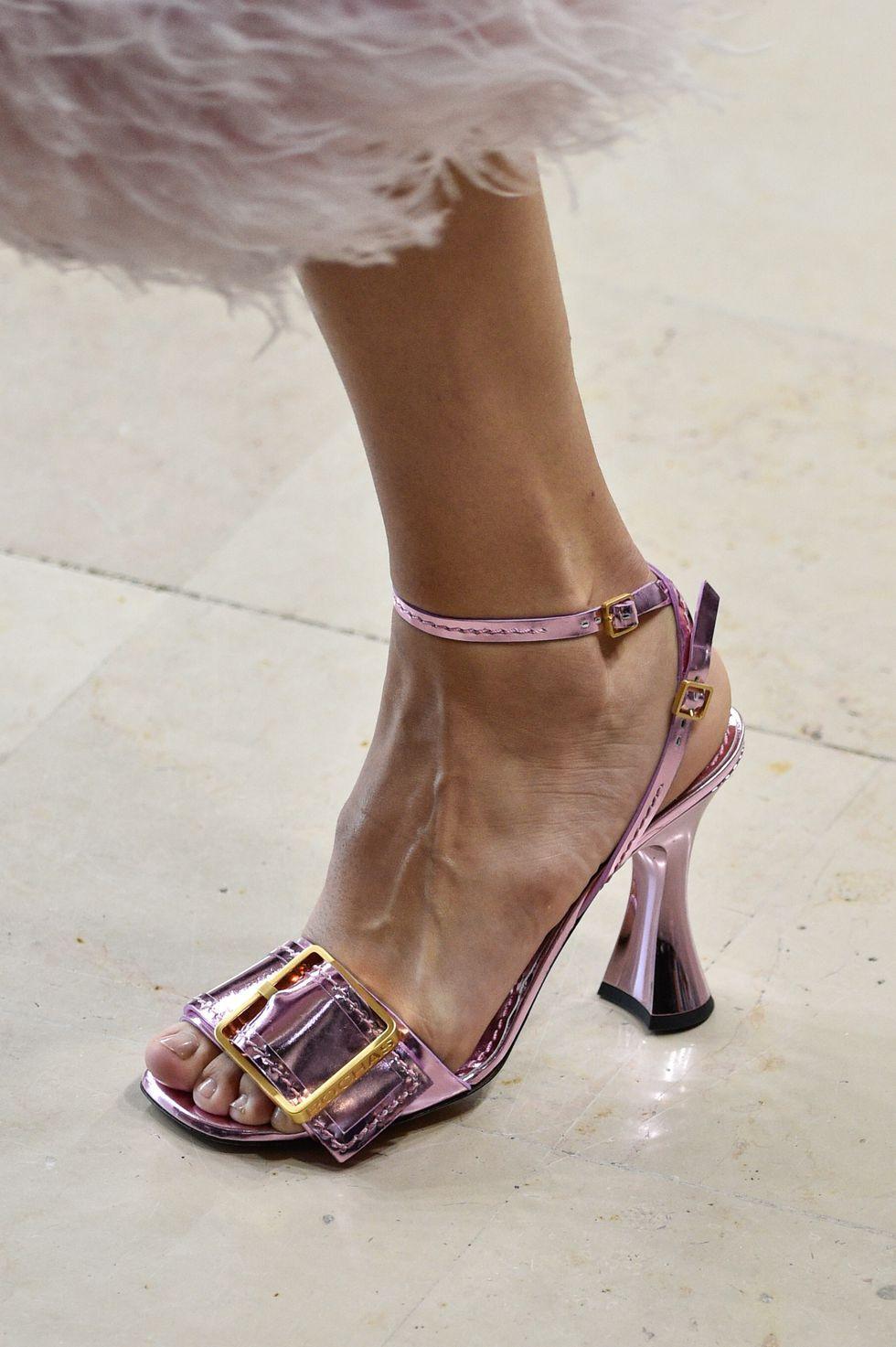 Pin By M On Fash Shine Trending Shoes Women Shoes Heels