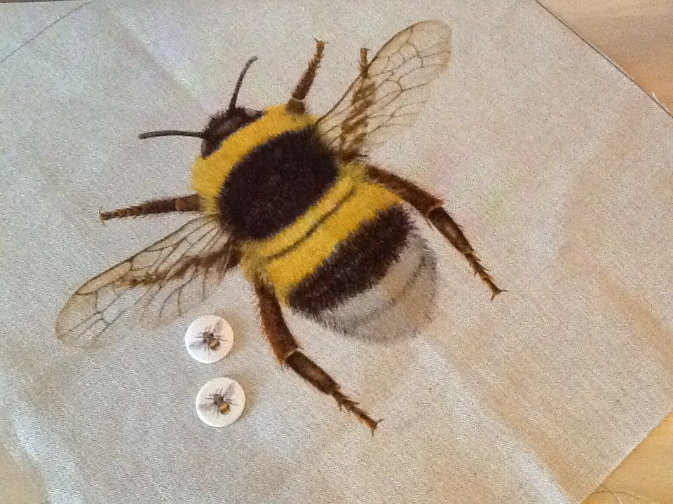 Tex ex original british flora fauna bumblebee linen cushion tex ex original british flora fauna bumblebee linen cushion panel front only ebay junglespirit Images