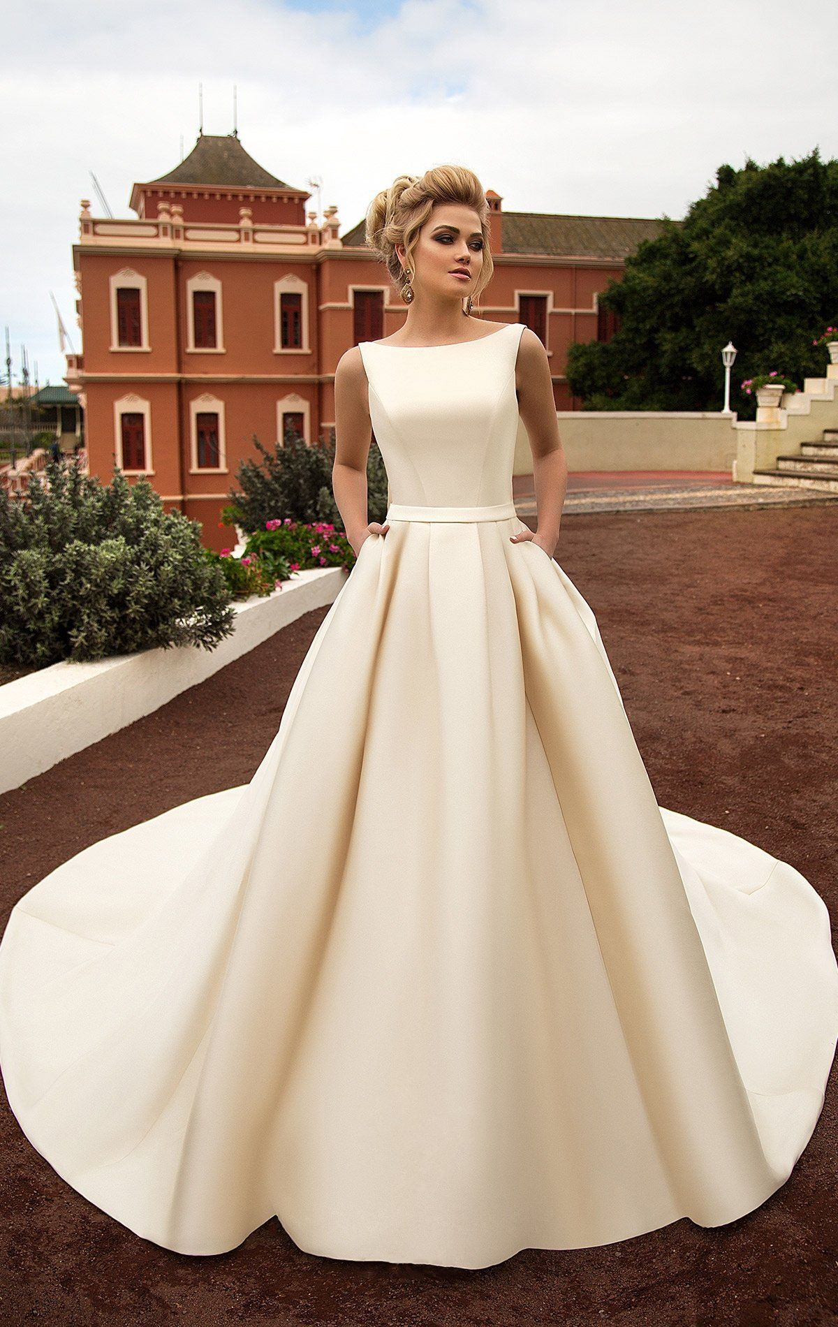 71837d01a72 Свадебное платье Naviblue Bridal LUARA-17018 ▷ Свадебный Торговый Центр Вега  в Москве