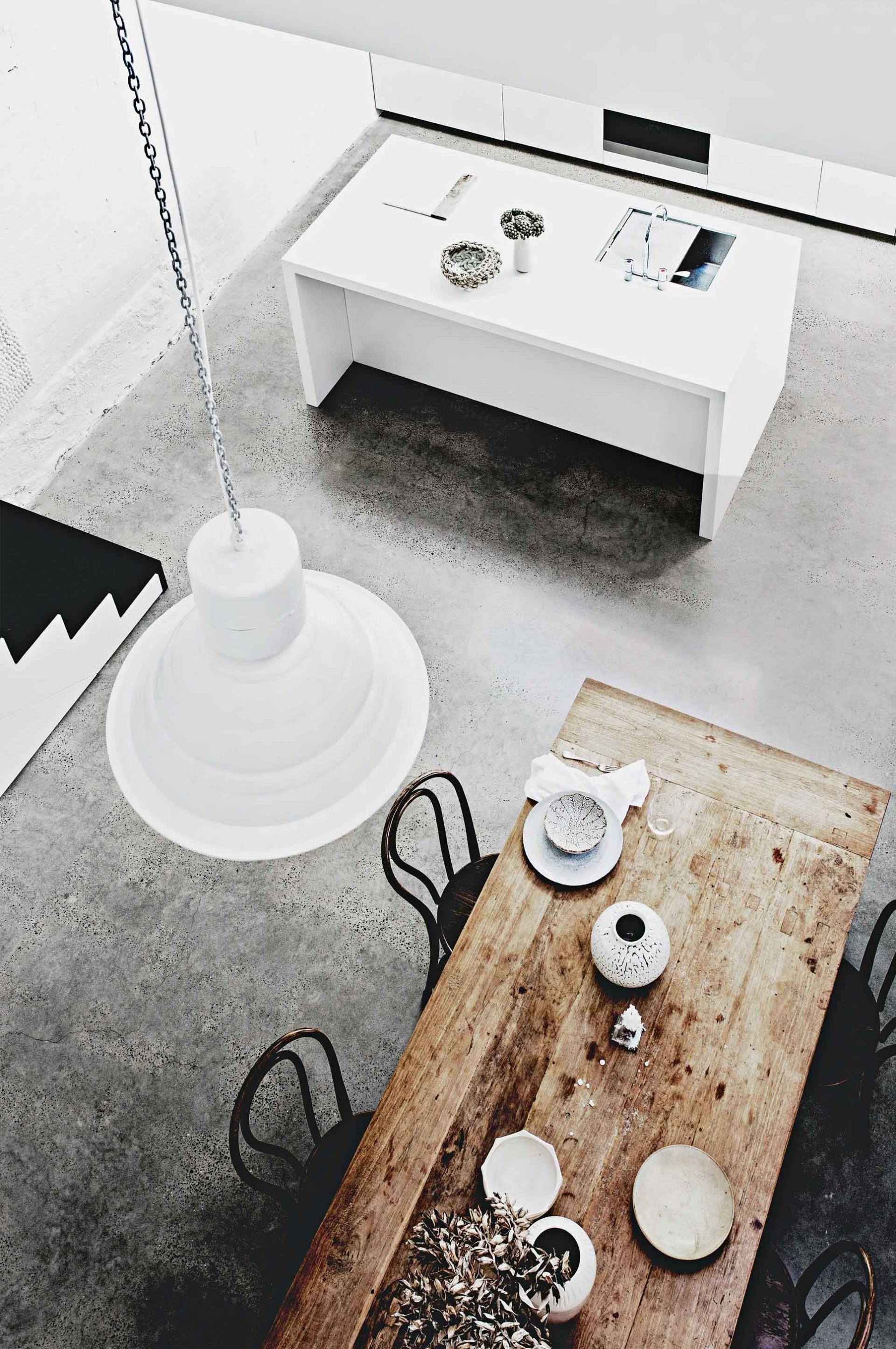 the minimalistic home of architect William Drew