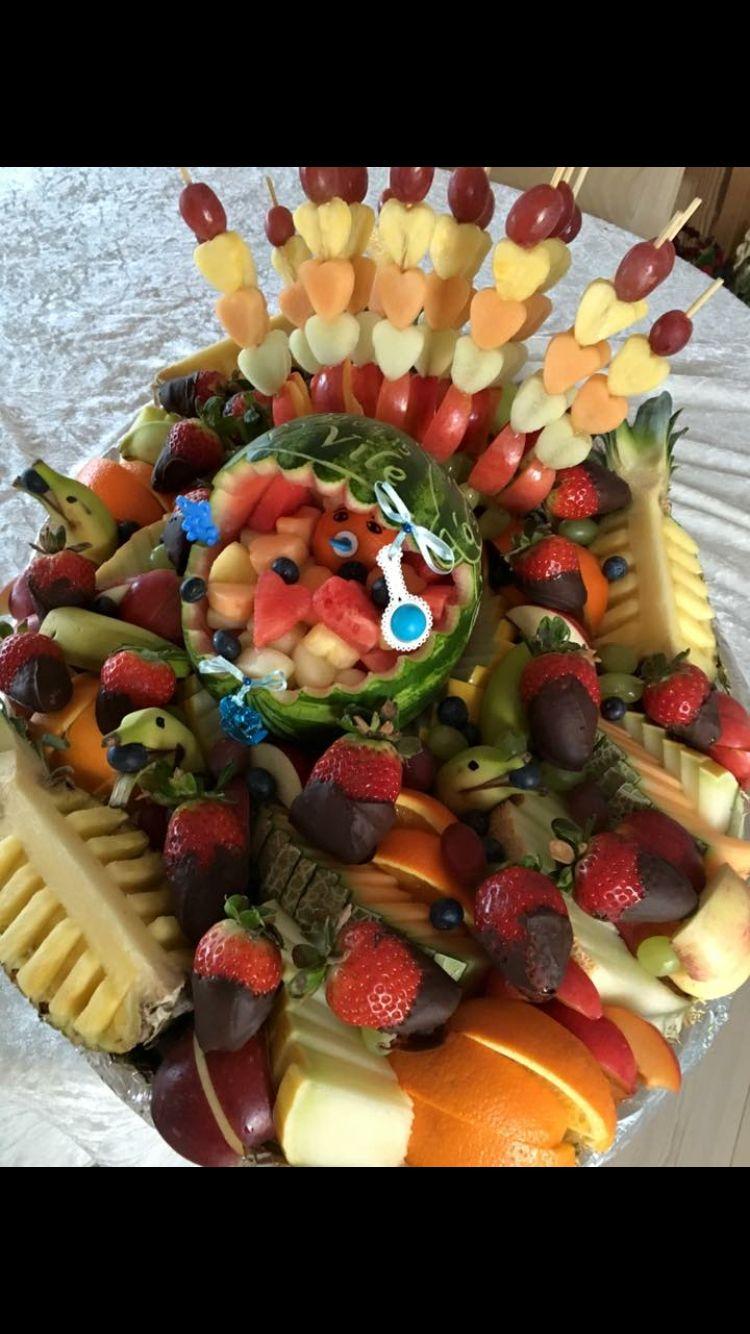 Helles frugt udskæring (Facebook)