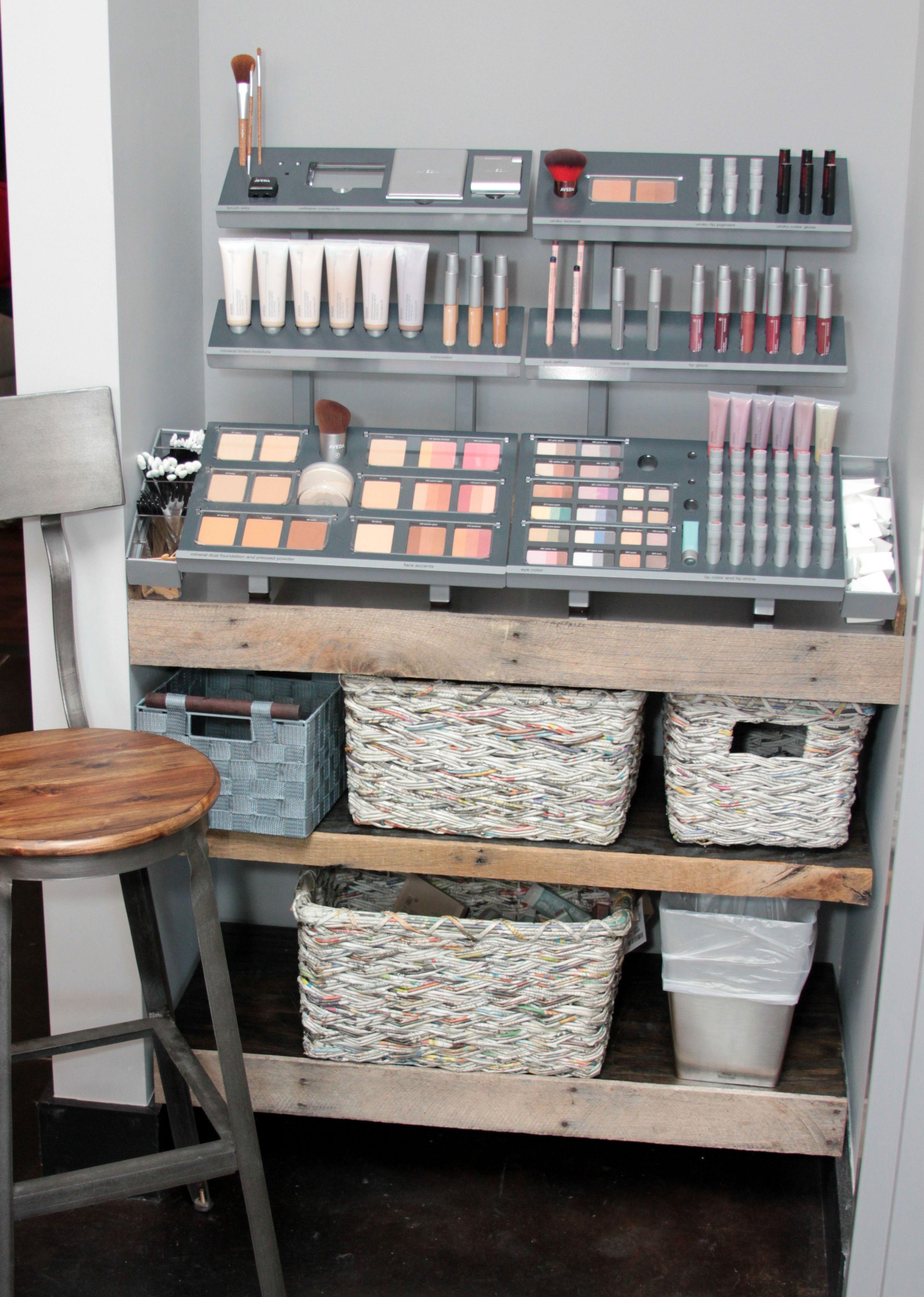 Salon makeup stations area salon waiting area salon for Makeup salon