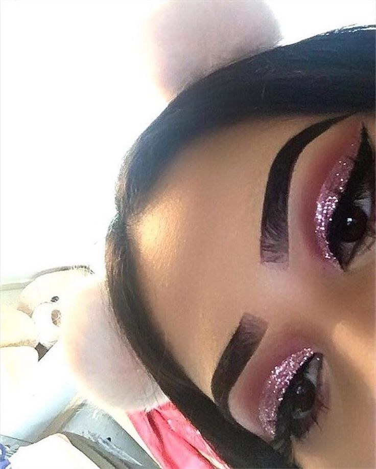 "iLashed ® on Instagram: ""Happy customer @sanjaya_beauty ・・・ Rose glitter cut crease ✨"