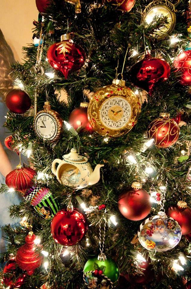 Christmas Stuff.Alice In Wonderland Tree Alice In Wonderland Christmas
