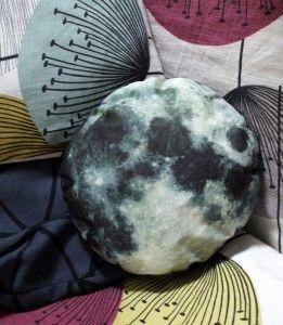 DIY: How To Make A Moon Cushion