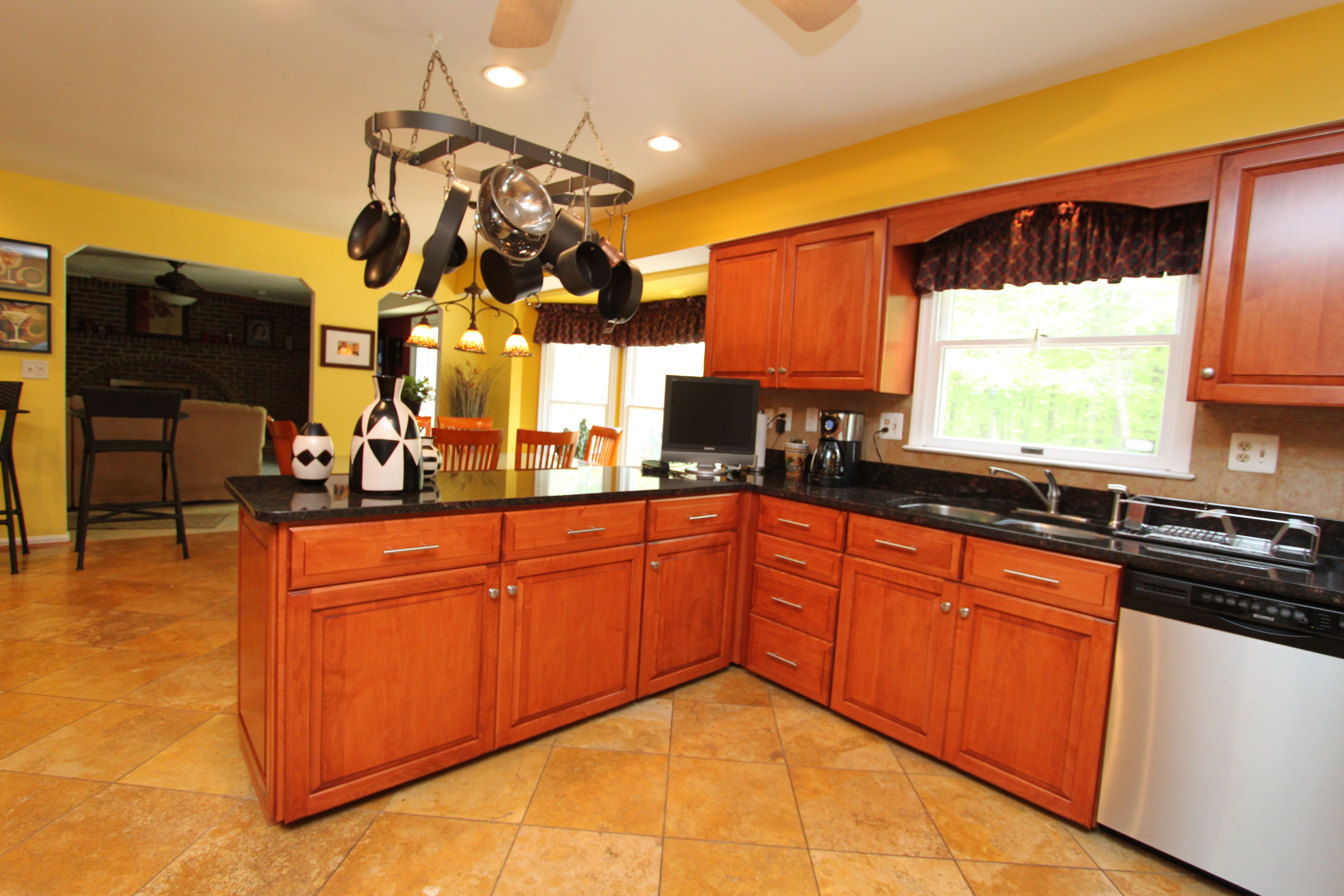Kitchen Saver Cabinet Refacing Done Right Oak Kitchen Cabinets Custom Kitchen Cabinets Kitchen Cabinets