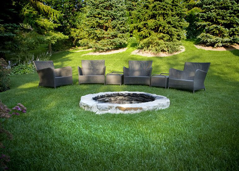 am nagement paysager r sidentiel confort meraude foyer en pierres au sol exterieur. Black Bedroom Furniture Sets. Home Design Ideas