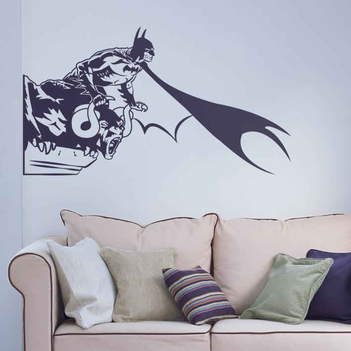 02.Batman sobre gárgola -  Medidas: 100x56 cm -  Precio: 55 €