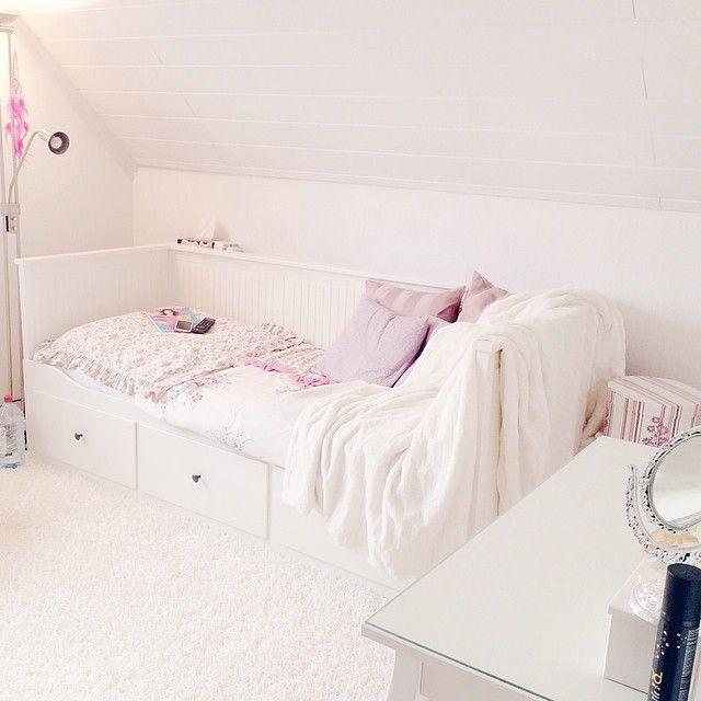 D A Y B E D Ikea Hemnes White Guests Deco Chambre Idee Deco Chambre Chambre Design