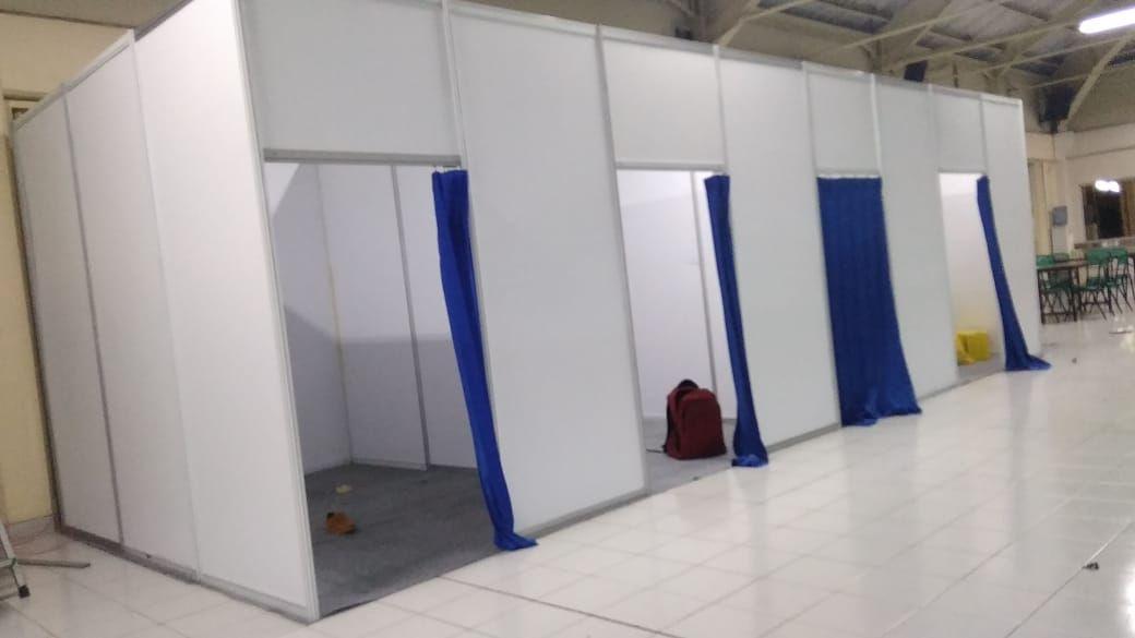 Kami Menyewakan Fitting Room Dengan Ukuran T 2 5m Dan L 1m Sangat Cocok Digunakan Untuk Partisi Pameran Medical Cek Up Tenda Besar Modern Storage