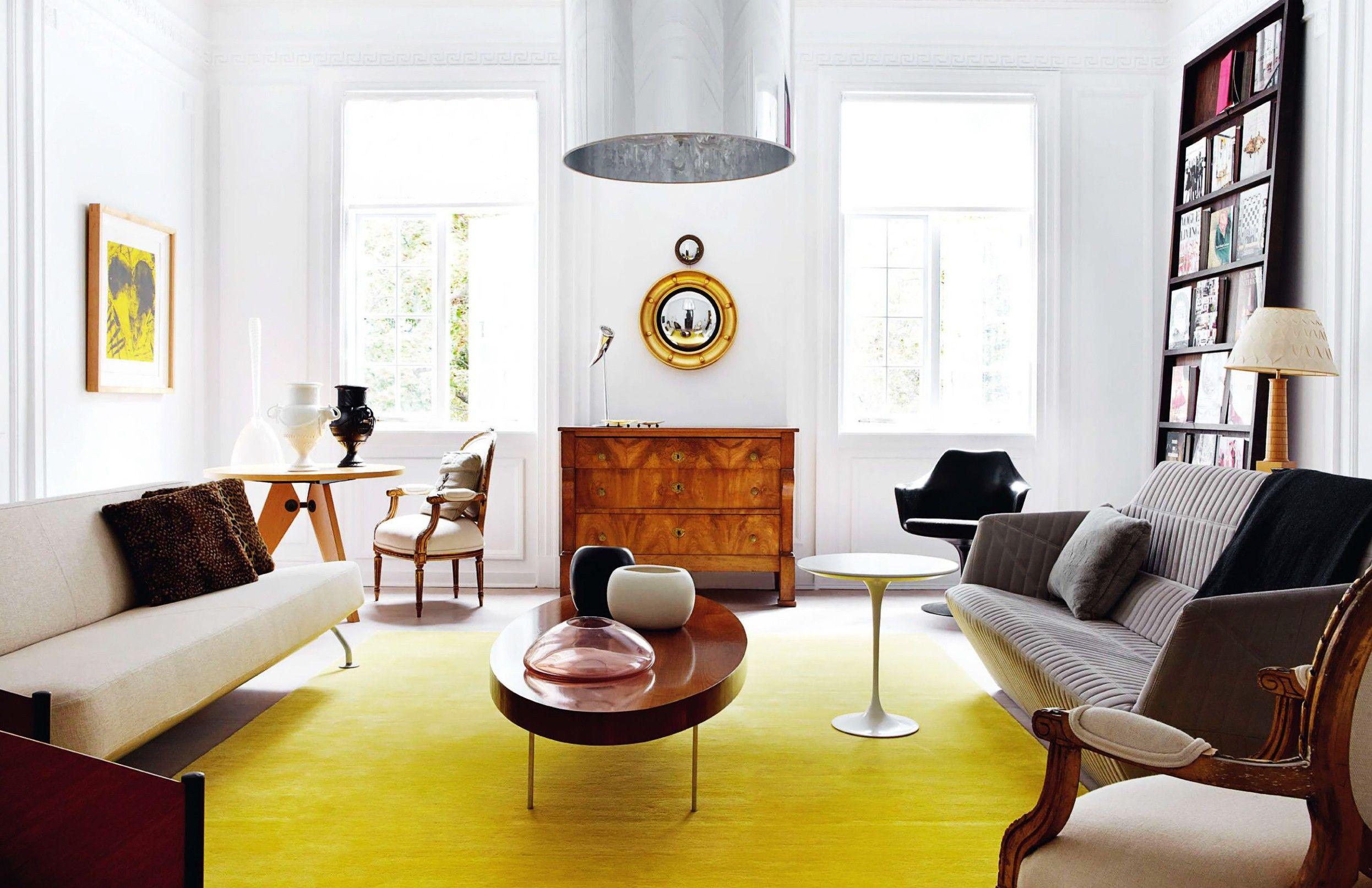 Living Moderno com Tapete Amarelo