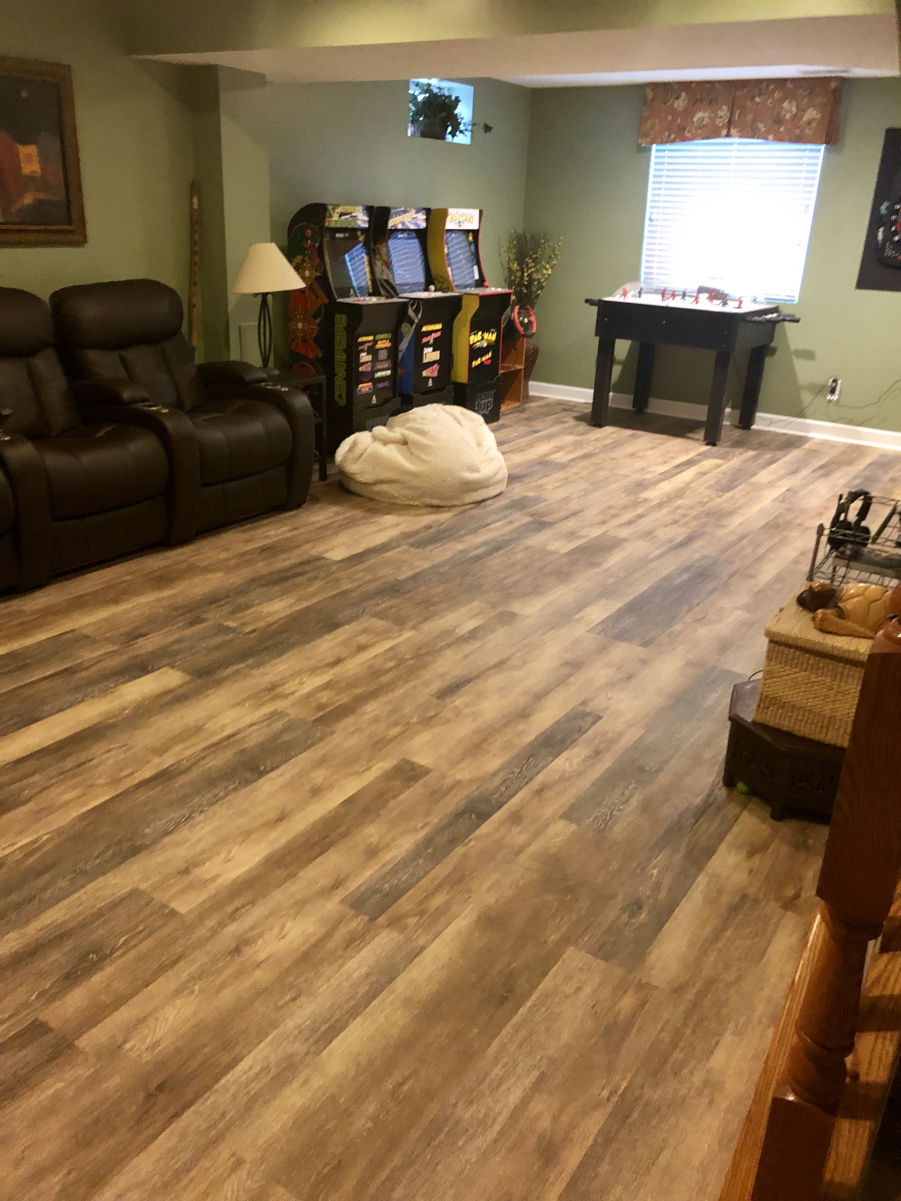 Walton Oak in 2020 Vinyl plank flooring, Vinyl plank