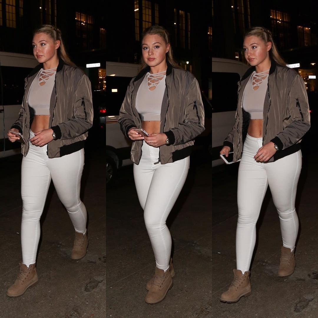 """""""✨last night in #nyc @eatstk #iskralawrence #everyBODYisbeautiful got told once that thick girls shouldn't wear white - apaz makes your thighs look too…"""""""