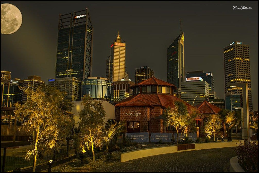 Perth City Moonrise
