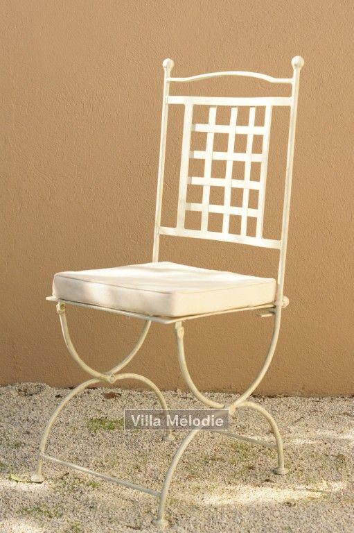 Chaise - fer forge blanche provençal Villa Mélodie, 16 avenue de Lattre de Tassigny, St Remy de Provence