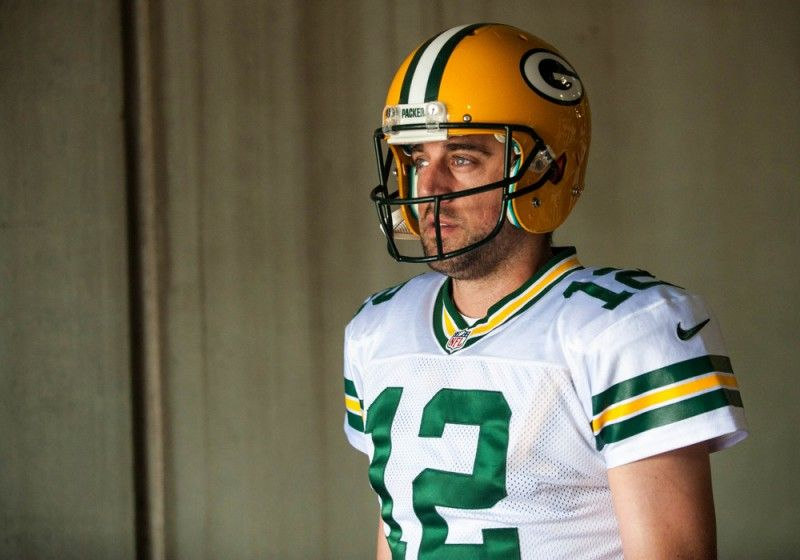 Rodgers puts Packers a cut above - Don't look now but the Seattle Seahawks are 0-2 and Jerry Jones is talking about crippled crickets after watching his quarterback fracture his clavicle in Philadelphia.  The favorite in the NFC, and it's a prohibitive one at that, is the Green Bay Packers.....