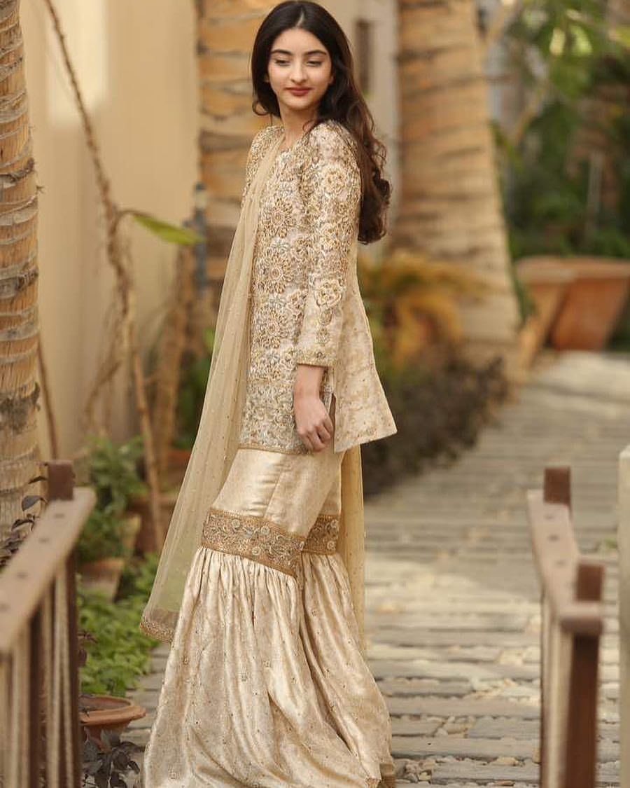 Pakistani Wedding Dresses: Pin By Yaman Aslam On Pakistani Wedding Dresses