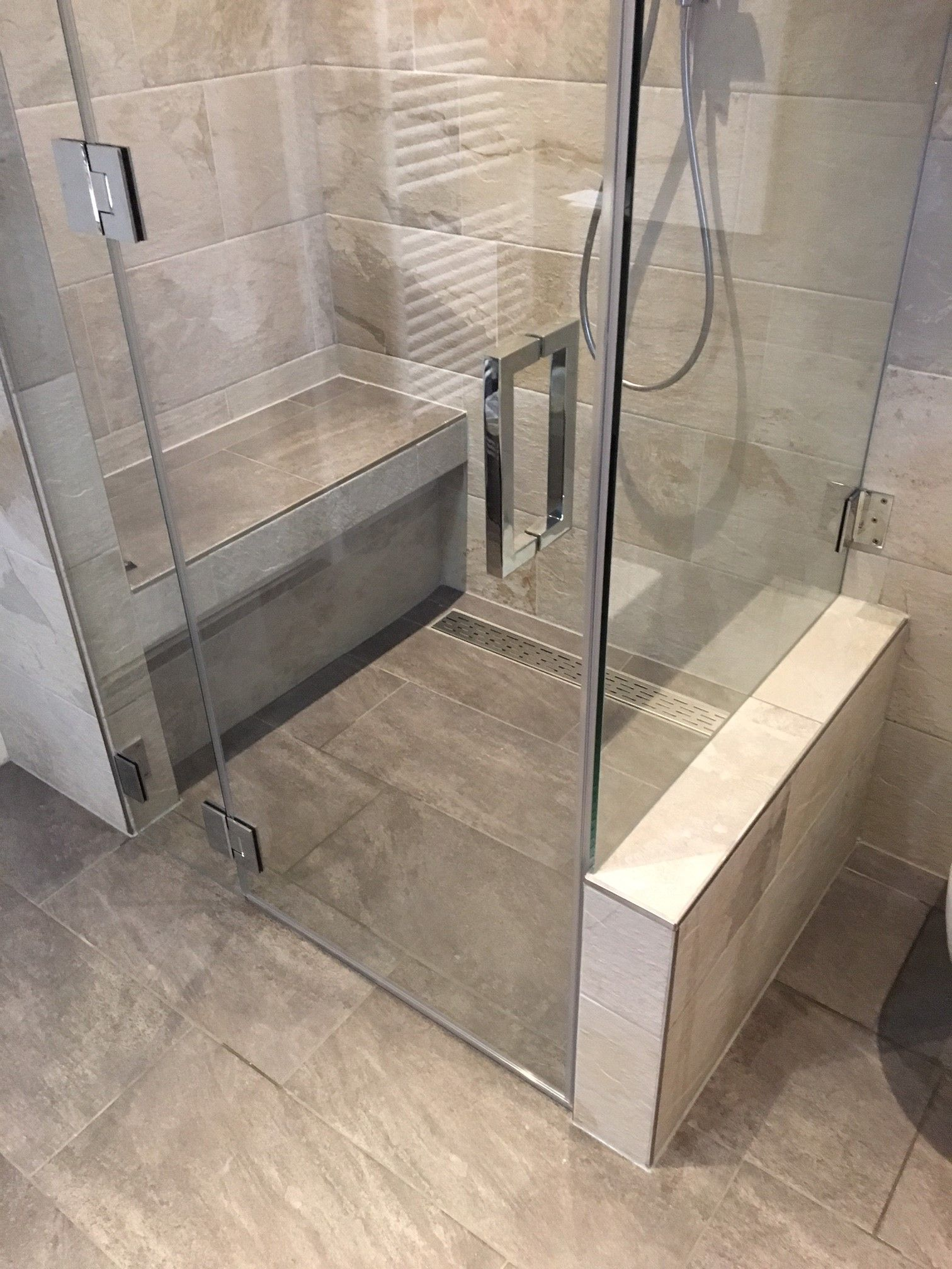 maatwerk glazen douchewand gebruikt als stoomkabine c l e a r