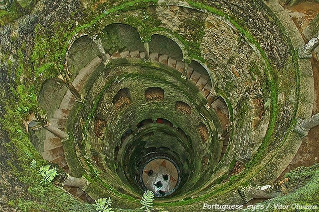 Poco Iniciatico Da Quinta Da Regaleira Sintra Portugal Mystical Places Wonders Of The World Places To Go