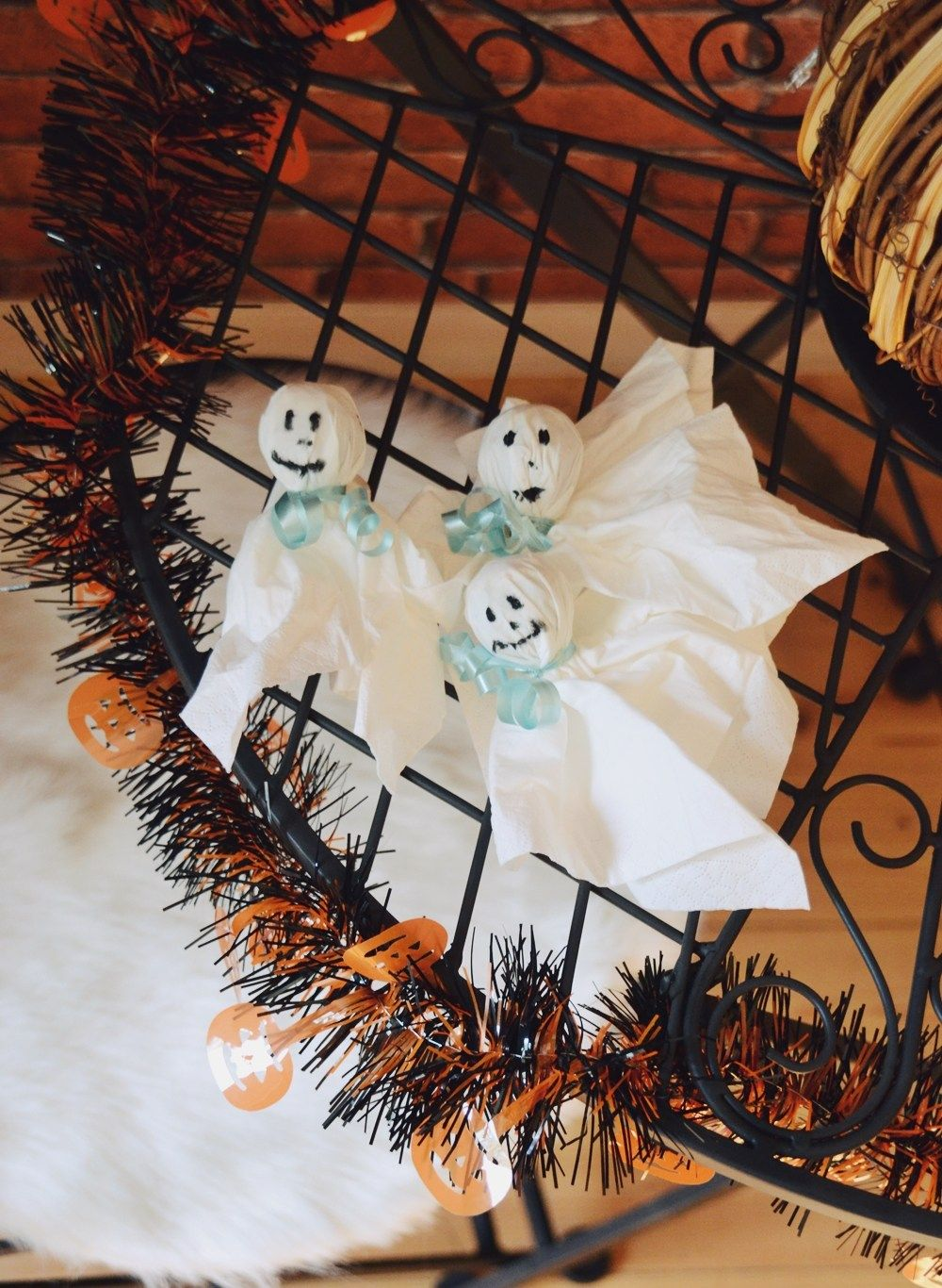 10 Einfache Diy Dekoideen Fur Halloween Julia To The Fullest Halloween Selber Machen Halloween Party Deko Selber Machen Party Deko Selber Machen