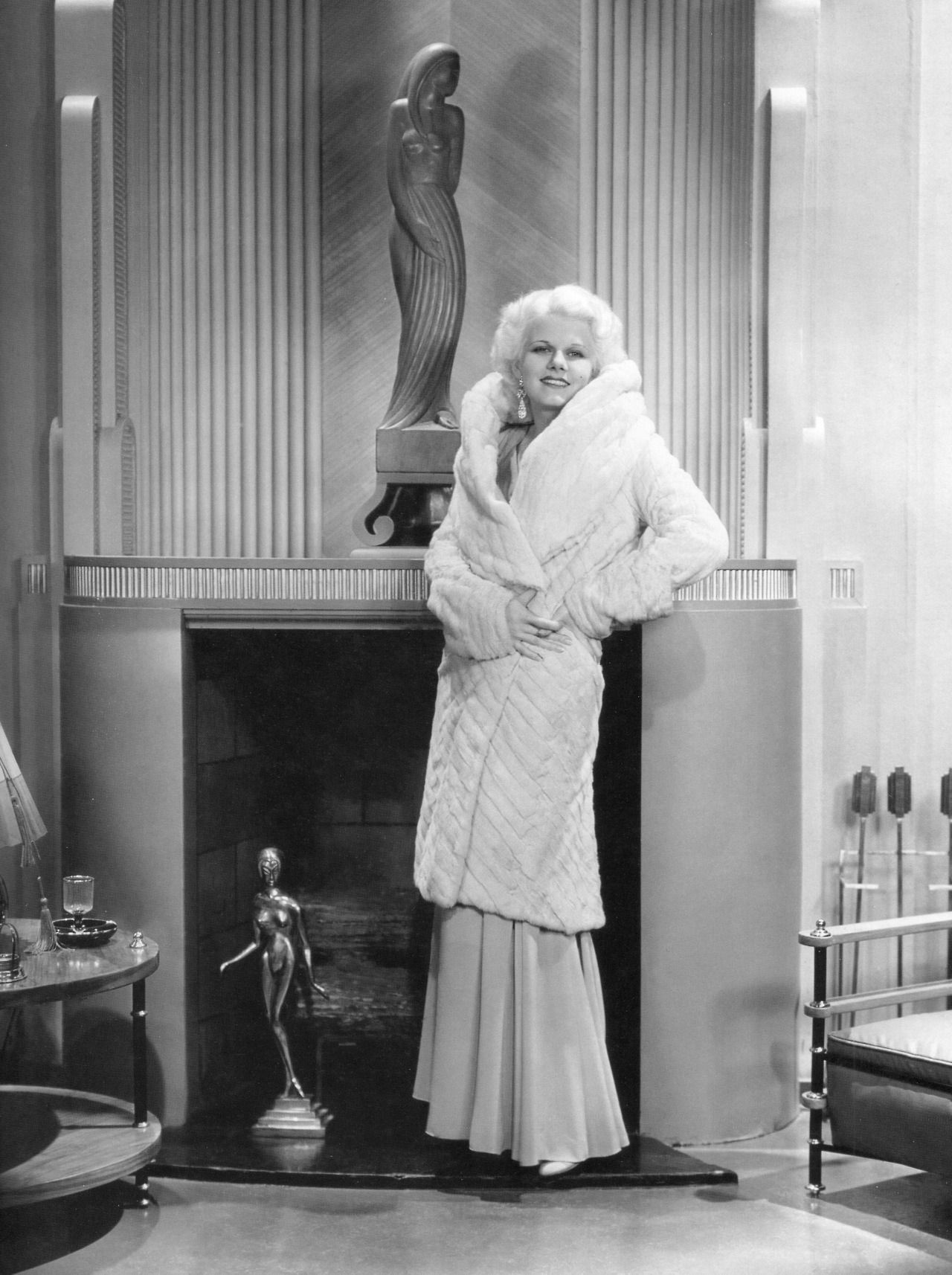 Fashion style Harlow jean style icon for lady