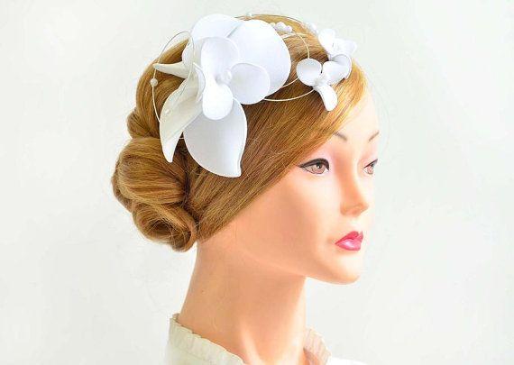 White fascinator, Fascinator hat, Fascinator headband in white, Bridal fascinator, Bridal large fascinaator, White fascinator, Wedding hat