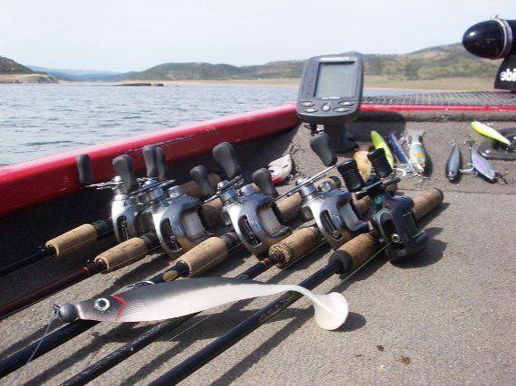 Equipo de pesca black bass
