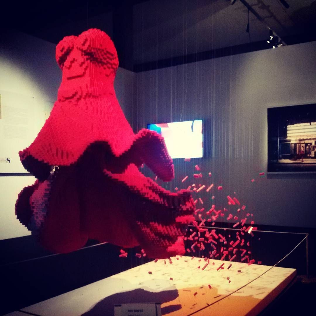 YoYo atelier   The art of the brick #reddress #inpieces #lego #exhibition #theartofthebrick #art #nathansawaya #deanwest #milan #italy