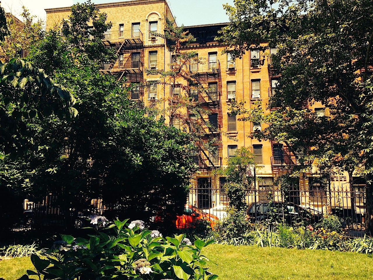 A Guide to Renting an Apartment in NYC | New york life ...