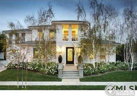 Kourtney Kardashian's Bold Decor Attracts Buyer ...