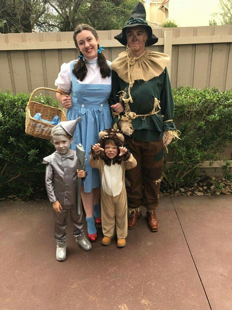 family wizard of oz costume #wizardofoz #familycostume