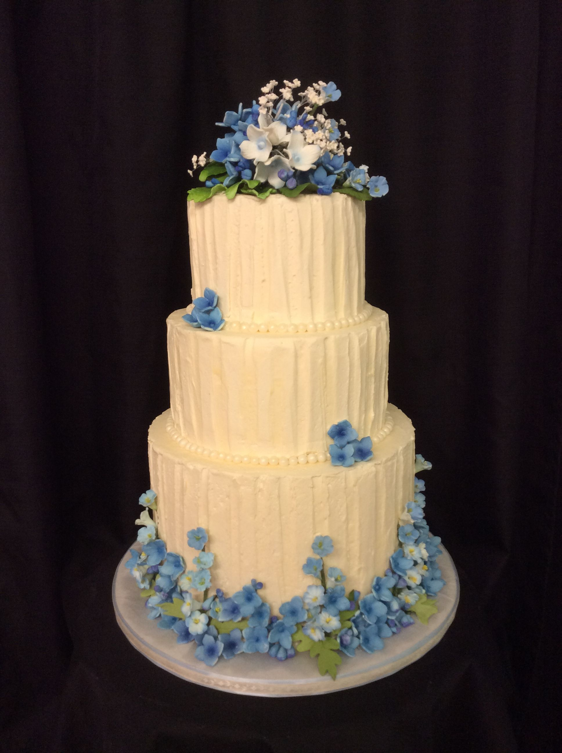 buttercream cake with blue sugar hydrangeas | Cake decor | Pinterest ...