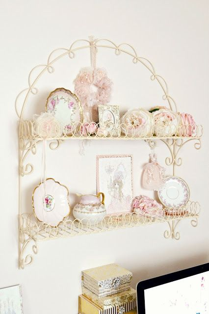 Jennelise ~ A Vintage Shelf