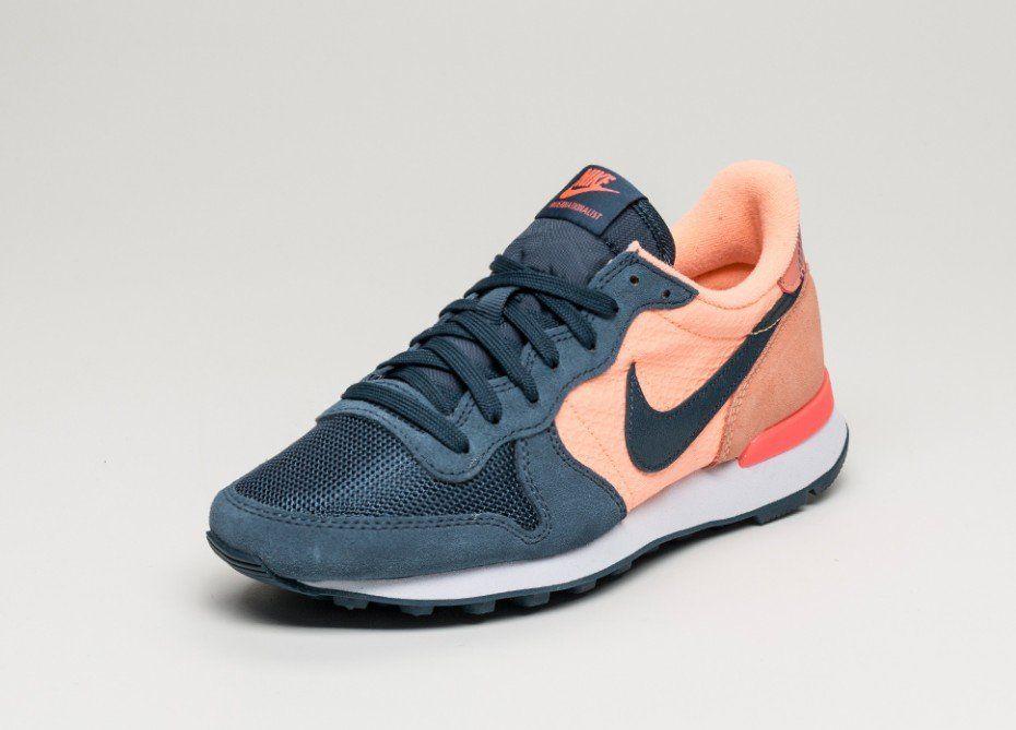 2fadad7e9908 Nike Wmns Internationalist Print (Sunset Glow   Squadron Blue - Vivid  Purple)