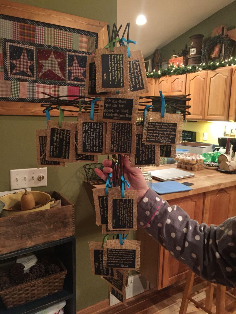 Metal cross with burlap cards of friends bible verses ✝