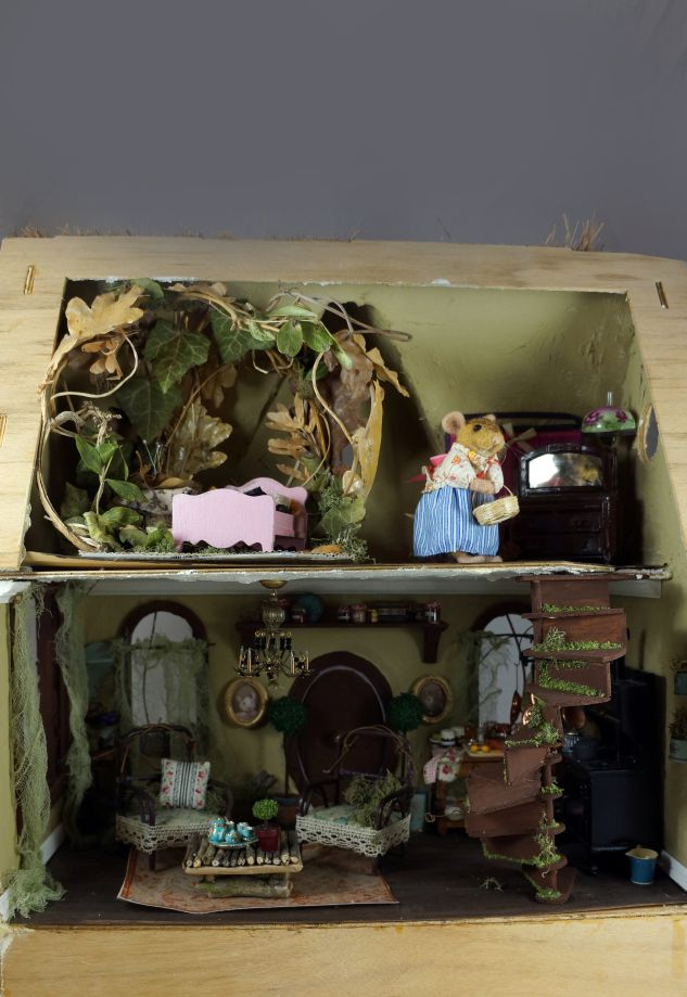 Jen Spectacular's Little Mouse House...so cool!  0