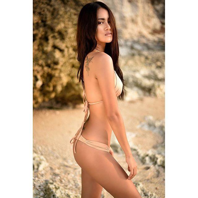 Laras Monca Bikini Doyan Hot