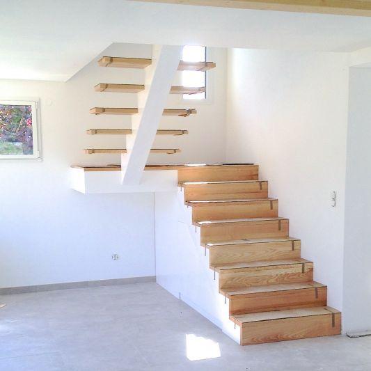 charpente-oisee-monsite medias images escalier-demi-tournant-1 - entree de maison avec escalier