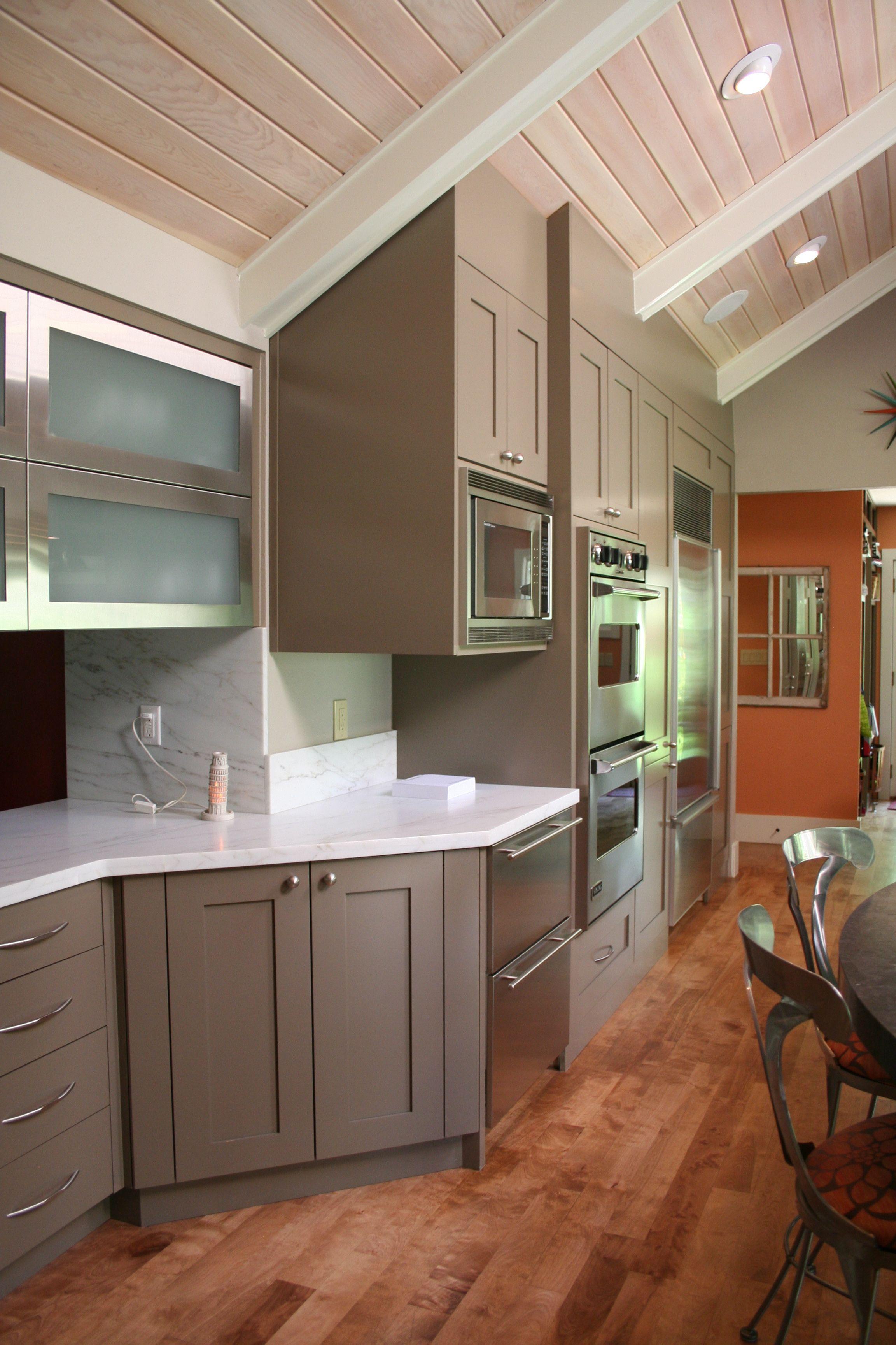 Gentry door style with mushroom paint designer jennifer for Kitchen color planner