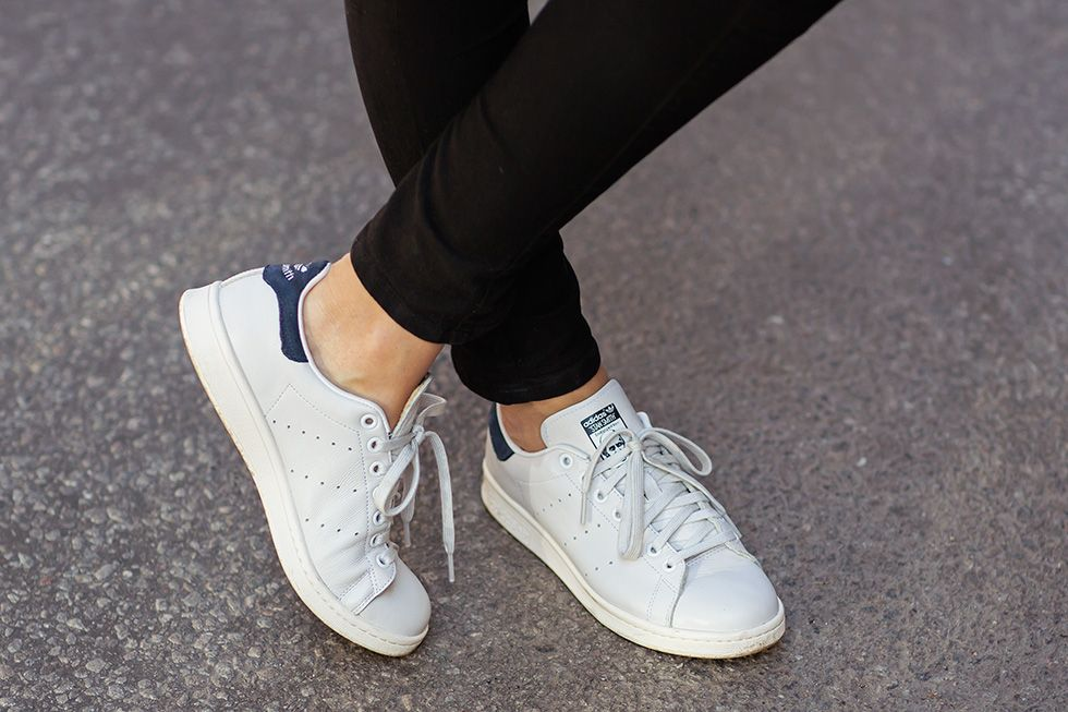 Adidas Stan Smith - don t get caught out by fakes get a 24 point  step-by-step guide from goVerify.it 59900a708